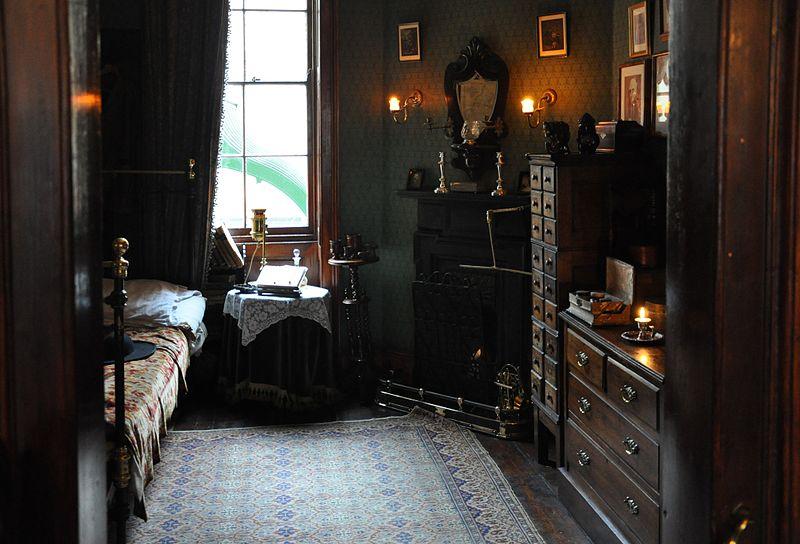 800 px-Sherlock_Holmes_Museum_004.jpg